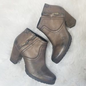 Clark's distressed style ankle boots